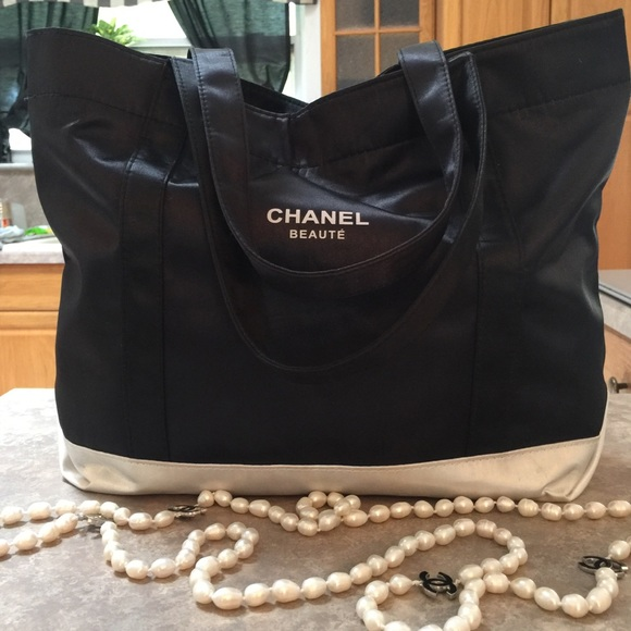 CHANEL Bags   Black White Nylon Vip Beauty Gift Tote   Poshmark 8f3afa9b15